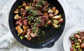 ארוחת ערב לשניים במחבת אחת - ארוחת ערב לשניים: סטייק ותפוחי אדמה במחבת