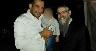צפו: אברהם פריד וחיים ישראל מתפללים לרפואת פרס