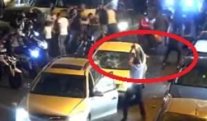 צפו: השוטר יורה באוויר ומציל יהודי מלינץ'