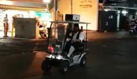 בני ברק: כרוז על ההלוויה - עם קלנועית. צפו