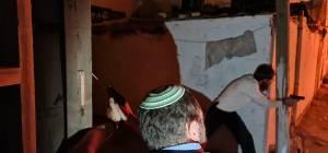פורעים ערבים השתוללו בשיח ג'ראח ותקפו יהודים ורכושם