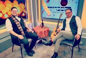גרשון מושקוביץ עם זלמן שטוב, באולפן 'כיכר'