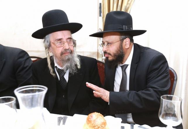 """המועמד המוביל הרב שמואל צברי והרב המכהן הגר""""ש קורח"""