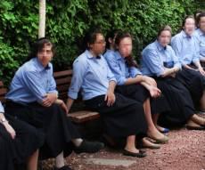 תלמידות אשכניות וספרדיות. אילוסטרציה