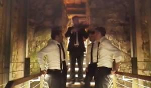 """צפו: """"והיא שעמדה"""" במנהרות הכותל"""