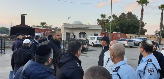 בכירי המשטרה, בכניסה לציון