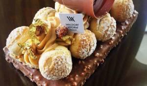 'Reine Des Abeilles': עוגת מלכת הדבורים עם דבש וקרם אגוזים