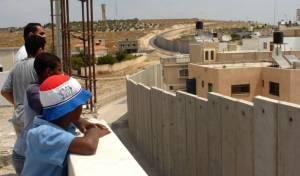 """פלסטינים בקלקליה, ארכיון - בצה""""ל זועמים על הדרישה לאשר שוב את הרחבת קלקיליה"""
