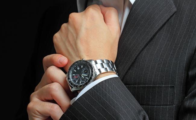 חוק מספר אחד לענידת שעון כמו שצריך