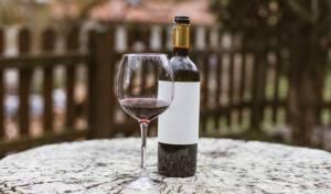הנה הדרך לסגור בקבוק יין ולהשתמש בו שוב