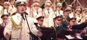"""כשמקהלת הצבא האדום שרה """"אדון עולם"""""""