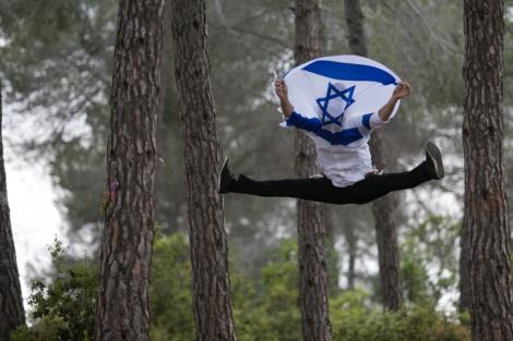 """ערב ראש השנה תשע""""ו: 8,412 מיליון ישראלים"""