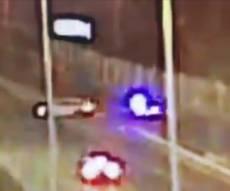 המרדף בו נורה שוטר בטעות תועד במצלמות • צפו