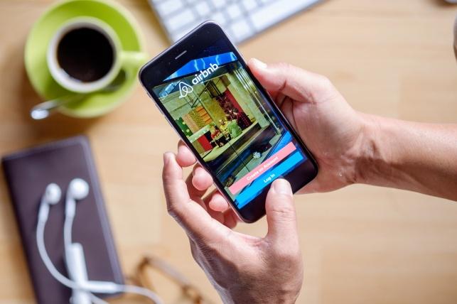 משכירי Airbnb ישלמו מס ישיר דרך האתר