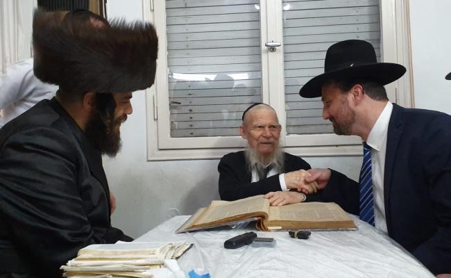 תיעוד: ישראל פרוש ואבי שטרן התברכו על ידי גדולי ישראל
