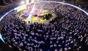 12 אלף ילדים התכנסו עם שר התורה • צפו