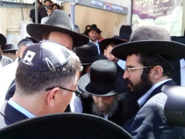 גדעון סער התברך מגדולי ישראל