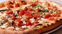 קולסלאו כרוב שמגישים עם פיצה - להיט בשוודיה: הסלט שמשדרג את הפיצה