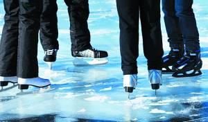 העיירה כוסתה בקרח, התושבים יצאו למסע גלגליות