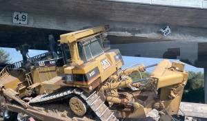 המשאית והדחפור - תחת הגשר