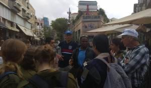 """מיסיונרים מכת """"היהודים המשיחיים"""" מטיפים לחיילים בקמפיין הנוכחי"""