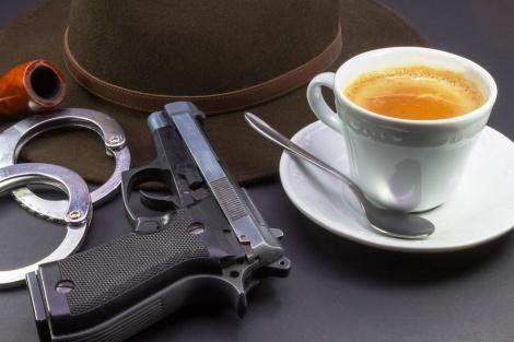 אילוסטרציה - שתה ואכל בבית קפה עם איומים ונעצר