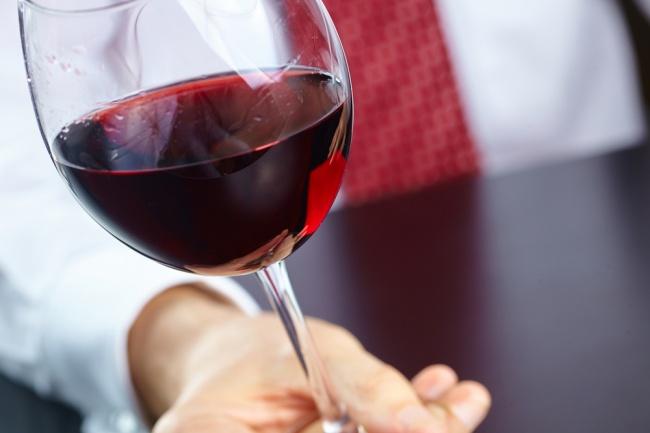 עדיין שותים מיץ ענבים? יקב מצודה. אילוסטרציה - עדיין שותים מיץ ענבים? הגיע הזמן להשתדרג