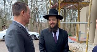 75 לשחרור אושוויץ: השגריר ביקר בחיידר