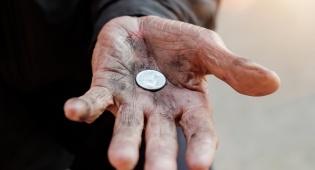 בדקו שהכסף שתרמתם מגיע באמת לנזקקים. אילוסטרציה - התרומה שלך מגיעה לנזקקים או לעסקנים?