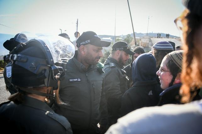 כוחות הביטחון פינו שני מבנים ביצהר. צפו
