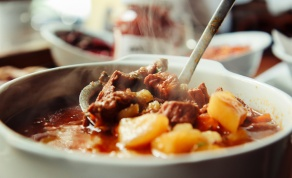 מרק בשר וירקות טעים ומחמם