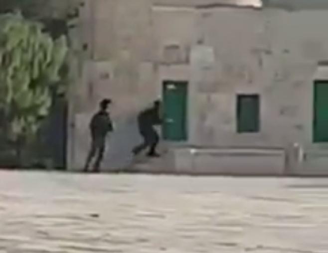 תיעוד ראשון: קרב ירי בין השוטרים למחבלים