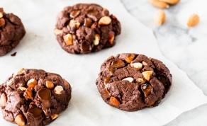 עוגיות שוקולד עם שברי פקאן