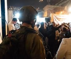 1,350 מתפללים נכנסו הלילה לקבר יוסף