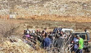 הפורעים הפלסטינים מול כוחות הצבא