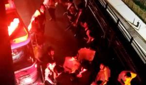 בחזור מה'טיש': בחורים ניצלו מתאונה ורקדו