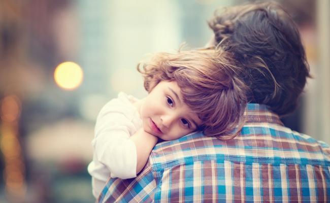 כמה רחוק תלך למען החיים של בנך? אילוסטרציה - כמה רחוק תלך למען החיים של בנך?