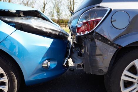 תאונת דרכים. אילוסטרציה - נהג ללא רישיון וגרם לתאונה. העונש: עבודות שירות