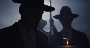 """מתוך קמפיין של בורסלינו למגזר החרדי, פסח 2017 - חברת הכובעים """"בורסלינו"""" פושטת את הרגל"""