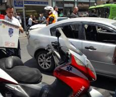 הרכב הפוגע - תאונת דריסה בתל אביב: שלושה נפגעים קל