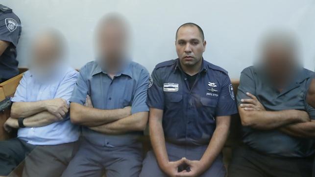 הוארך מעצר החשודים בפרשת השחיתות
