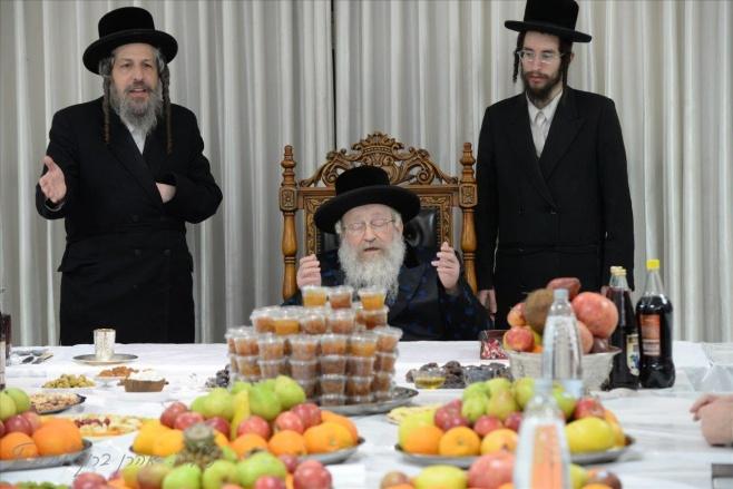ראש השנה לאילנות בחצר הקודש נדבורנה - חיפה