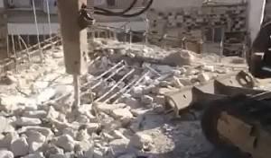 גבאי בית כנסת הרסו בניה לא חוקית • צפו
