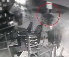 תיעוד: פרצו למסעדה וגנבו... קופות צדקה