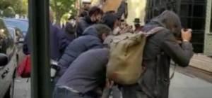 עיתונאים הגיעו לסאטמר; כך הגיבו החסידים