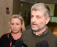 הורי החייל בועז ולבנה בבית המשפט בבאר שבע - אביו של החייל למחבלים: אשחט אתכם