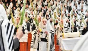 הרבי מויז'ניץ בתפילה