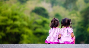 מאבק משפטי על גורלן של של הילדות היהודיות. אילוסטרציה - מאבק משפטי על גורלן של של הילדות היהודיות