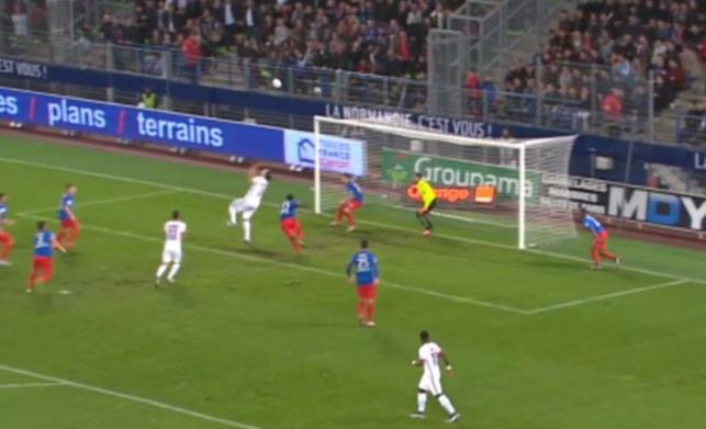 צפו: סדרת החמצות מטורפת בליגה הצרפתית