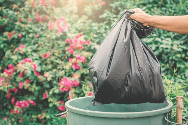 יתכן שאתם לא משתמשים נכון בשקיות אשפה